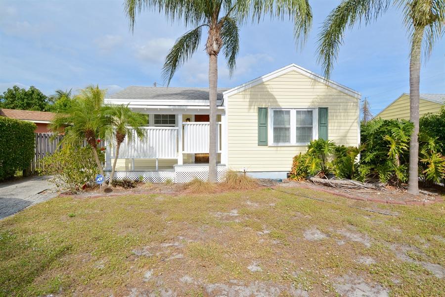 815 Colonial Road  West Palm Beach, FL 33405