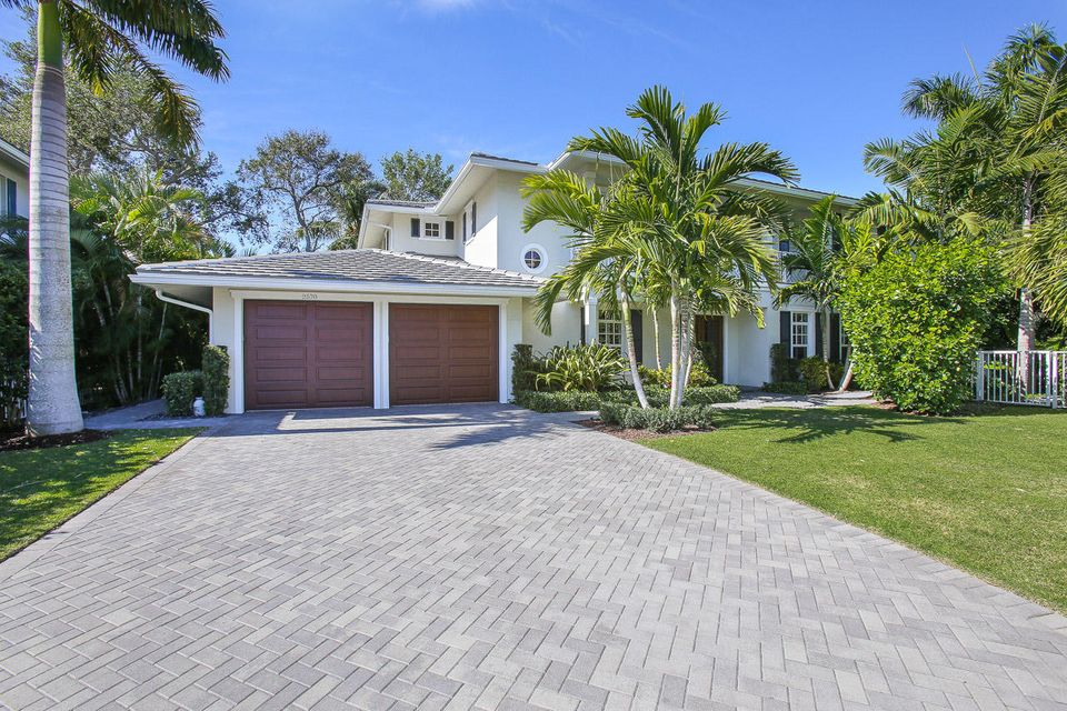 Rentals for Sale at 2570 Estates Drive North Palm Beach, Florida 33410 United States