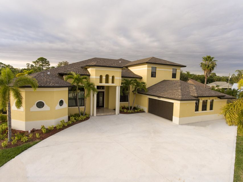 2500 SW Gabor Court, Port Saint Lucie, FL 34953