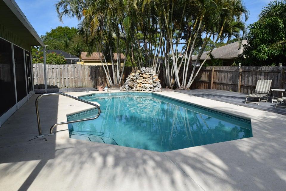 5410 Palm Drive, Fort Pierce, FL 34982