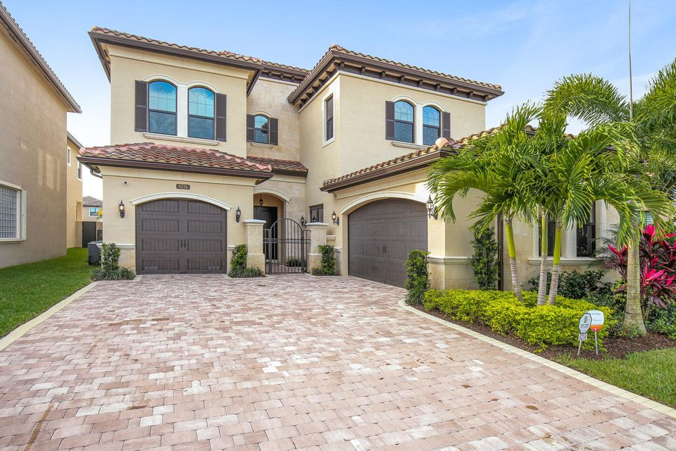 8216 Lost Creek Lane, Delray Beach, FL 33446