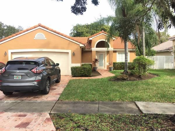 16367 SW 6th Street, Pembroke Pines, FL 33027
