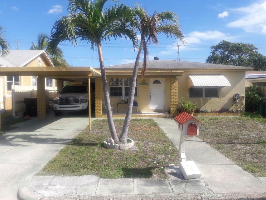 624 S Ridge Street  Lake Worth, FL 33460