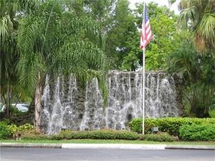 16175 Golf Club Road 105, Weston, FL 33326