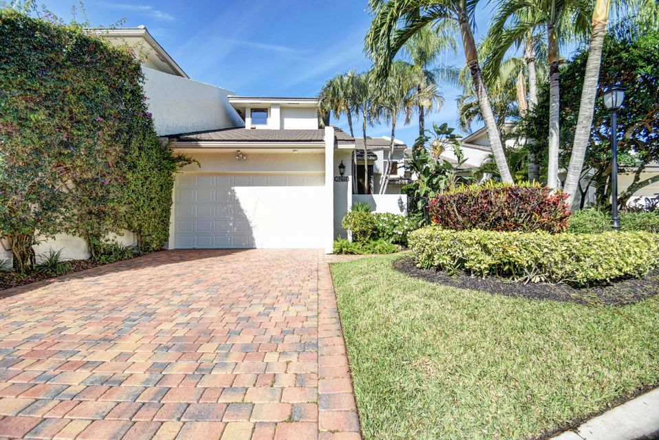 Townhouse for Sale at 19448 Island Court Drive 19448 Island Court Drive Boca Raton, Florida 33434 United States