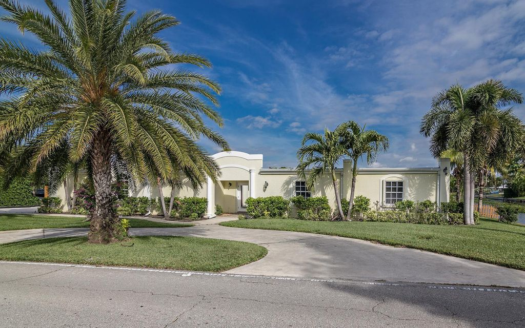 1551 Mediterranean Road E, West Palm Beach, FL 33406