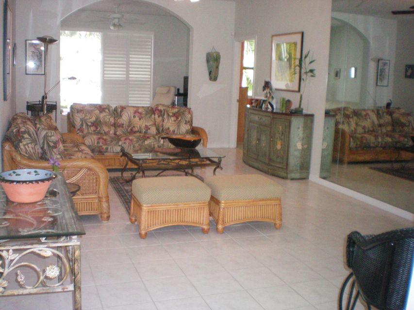 Palm Isles West 9867 Crescent-view Drive
