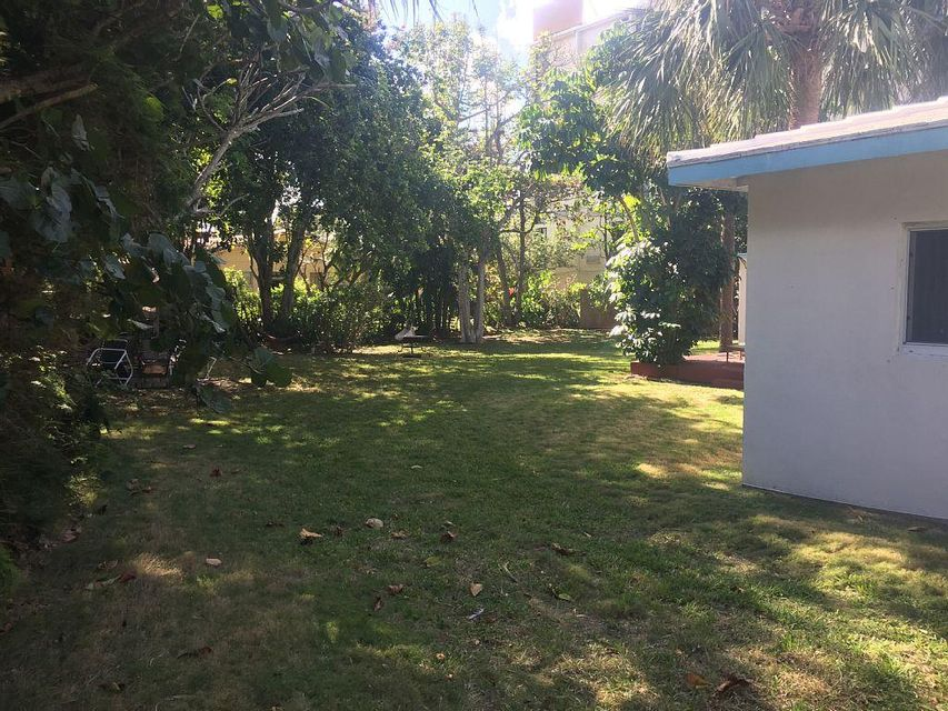 Additional photo for property listing at 2040 E Hillsboro Boulevard 2040 E Hillsboro Boulevard Deerfield Beach, Florida 33441 United States