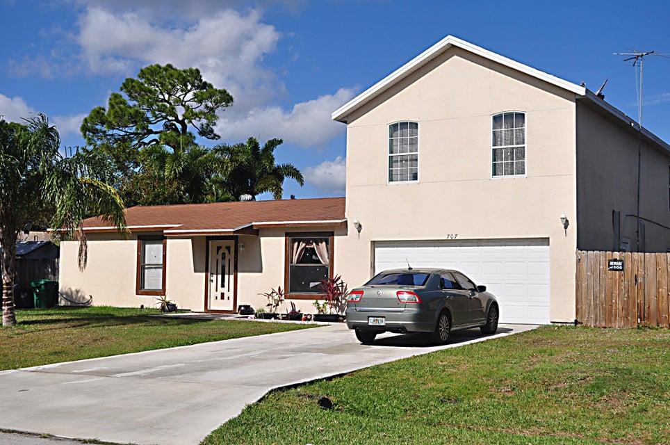 707 SE Karrigan Terrace, Port Saint Lucie, FL 34983