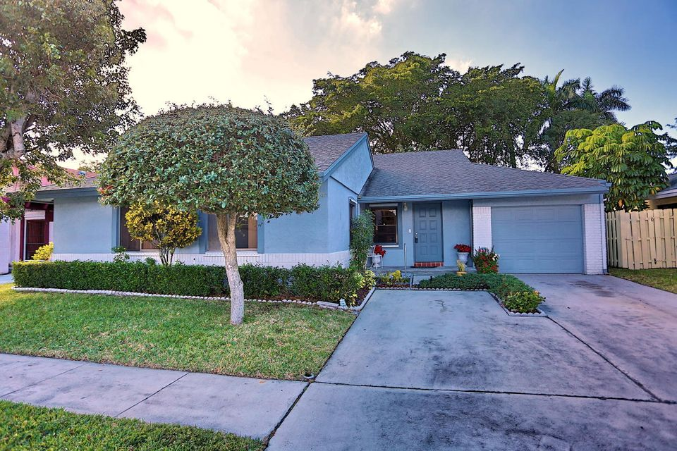 21392 Summertrace Circle, Boca Raton, FL 33428