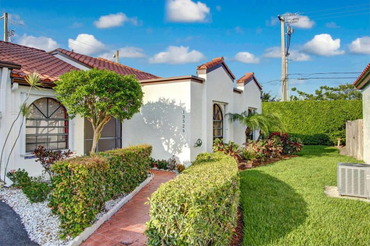 Additional photo for property listing at 13526 Fountain View Boulevard 13526 Fountain View Boulevard Wellington, Florida 33414 États-Unis