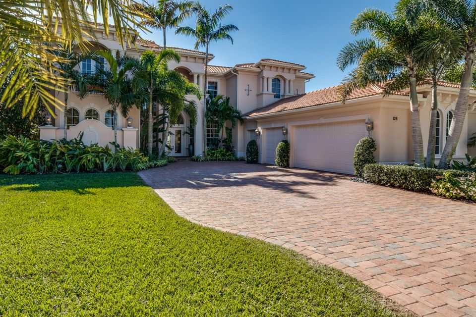 Additional photo for property listing at 126 Elena Court 126 Elena Court Jupiter, Florida 33478 Estados Unidos