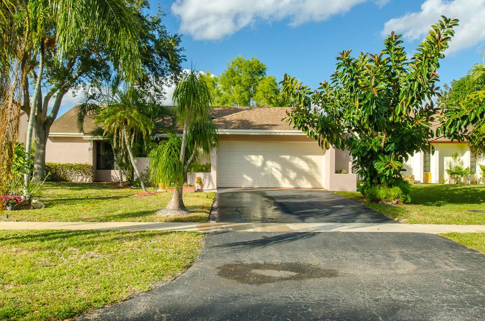 10345 Greenbriar Court, Boca Raton, FL 33498