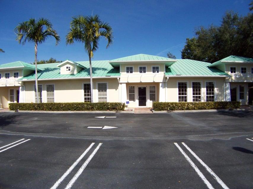 745 SE Port St Lucie Boulevard, Port Saint Lucie, FL 34984