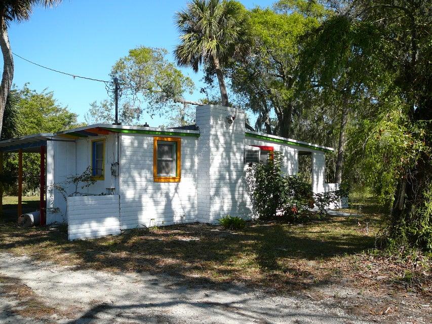 Escritórios para Venda às 3490 Orange Avenue 3490 Orange Avenue Fort Pierce, Florida 34947 Estados Unidos