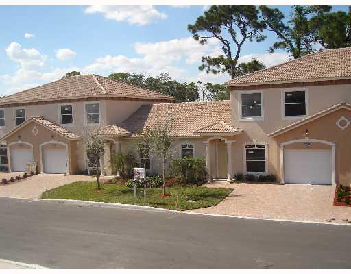 4661 Villas Santorini Drive  Lake Worth, FL 33461