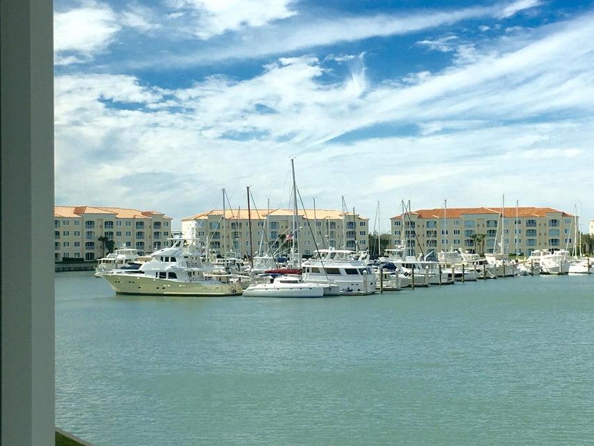 18 Harbour Isle Drive W 206, Fort Pierce, FL 34949