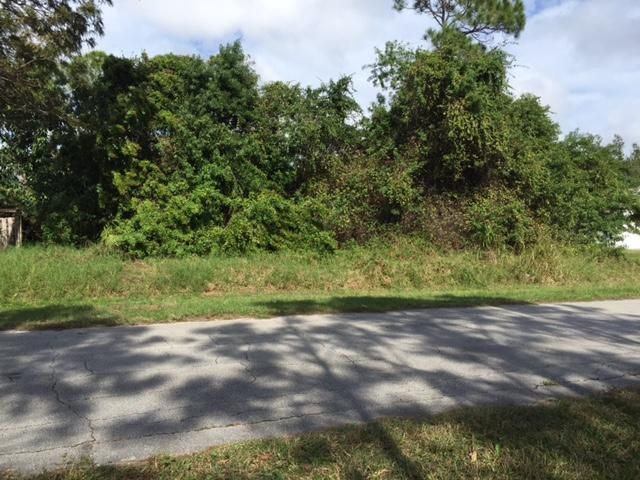 Additional photo for property listing at 245 SW Inwood Avenue  Fort Pierce, Florida 34953 Estados Unidos