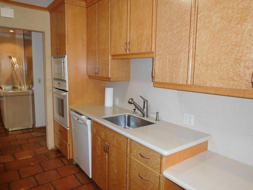 Additional photo for property listing at 6828 Parisian Way 6828 Parisian Way Lake Worth, Florida 33467 United States