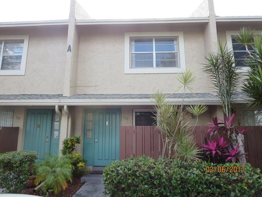 752 Banks Road, Coconut Creek, FL 33063