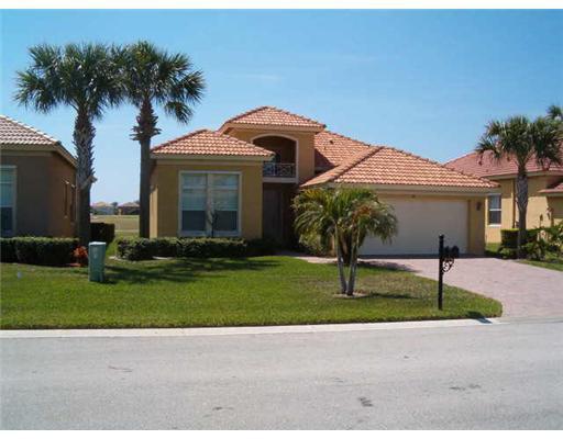 316 NW Stratford Lane, Port Saint Lucie, FL 34983