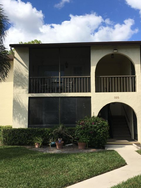 325 Knotty Pine Circle A1 , Greenacres FL 33463 is listed for sale as MLS Listing RX-10306094 11 photos