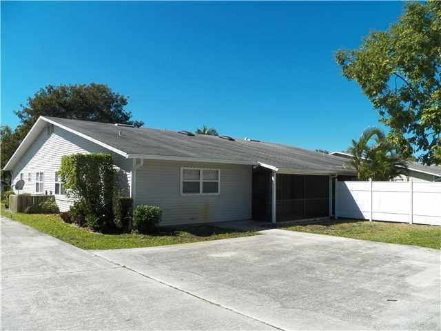9059 SE Hobe Ridge Avenue, Hobe Sound, FL 33455