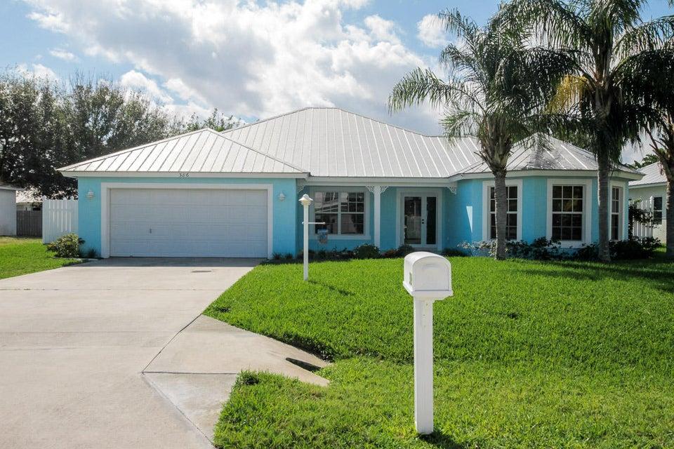 386 NE Vanda Terrado, Jensen Beach, FL 34957