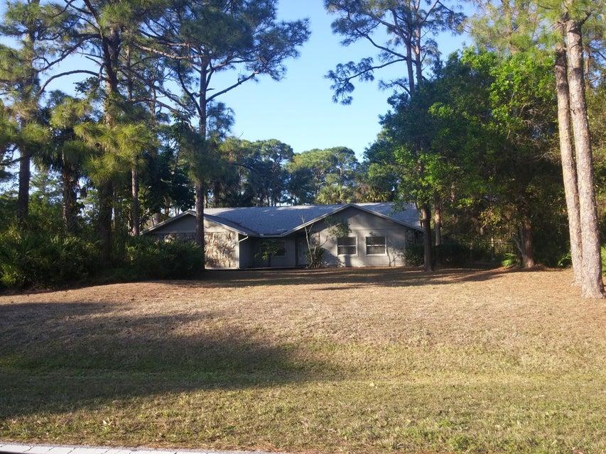 8390 Hidden Pines Road, Fort Pierce, FL 34945