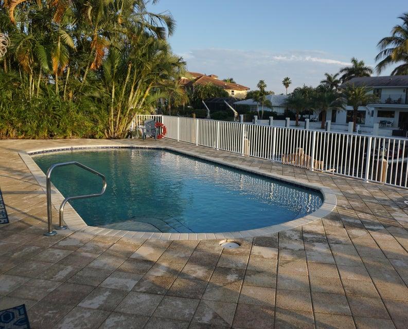 952 MCleary Street Pool