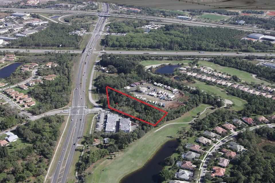 Additional photo for property listing at 1010 SW Kanner Highway 1010 SW Kanner Highway Stuart, Florida 34997 Vereinigte Staaten