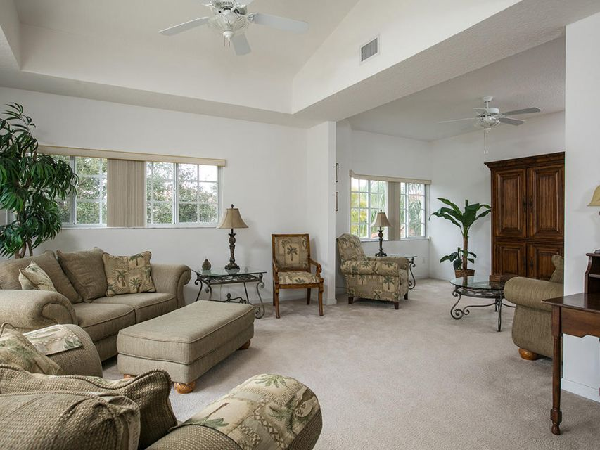 Additional photo for property listing at 564 7th Square 564 7th Square Vero Beach, Florida 32962 Vereinigte Staaten
