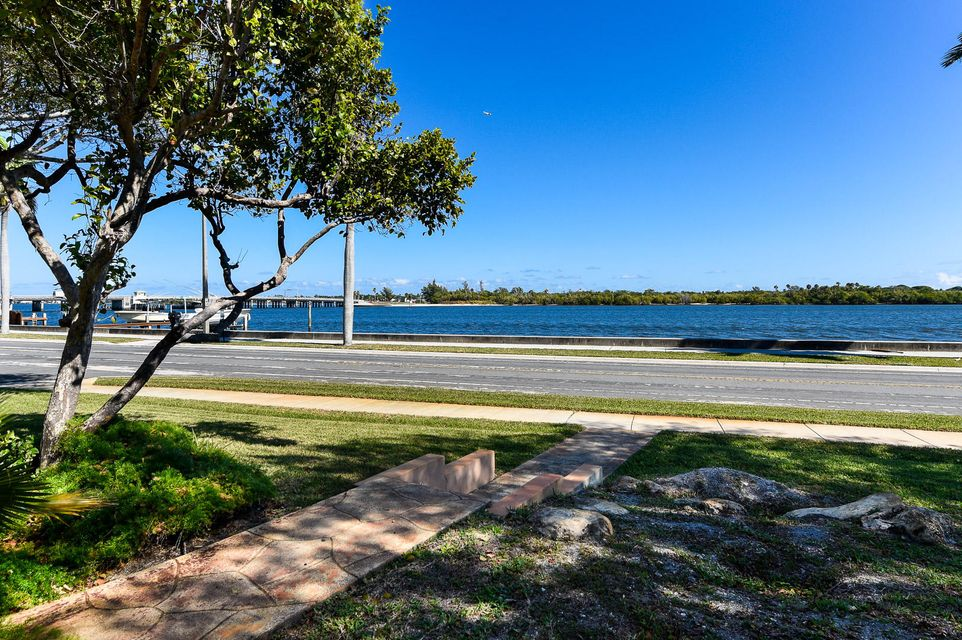 Additional photo for property listing at 4401 S Flagler Drive 4401 S Flagler Drive West Palm Beach, Florida 33405 Estados Unidos