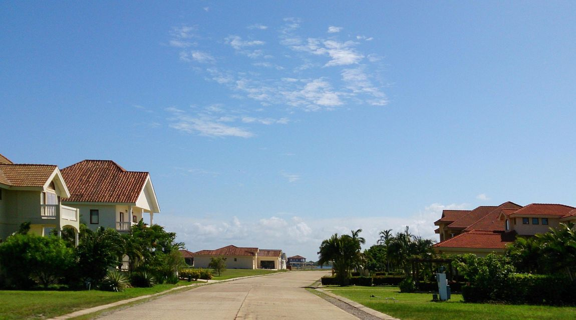 Additional photo for property listing at Lot 33 The Placencia Estates Lot 33 The Placencia Estates  其他地区 00000 美国