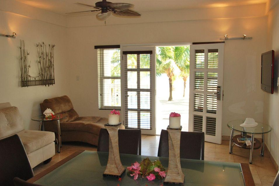 Additional photo for property listing at Unit # 303 The Placencia Resort Unit # 303 The Placencia Resort  Autres Régions 00000 États-Unis
