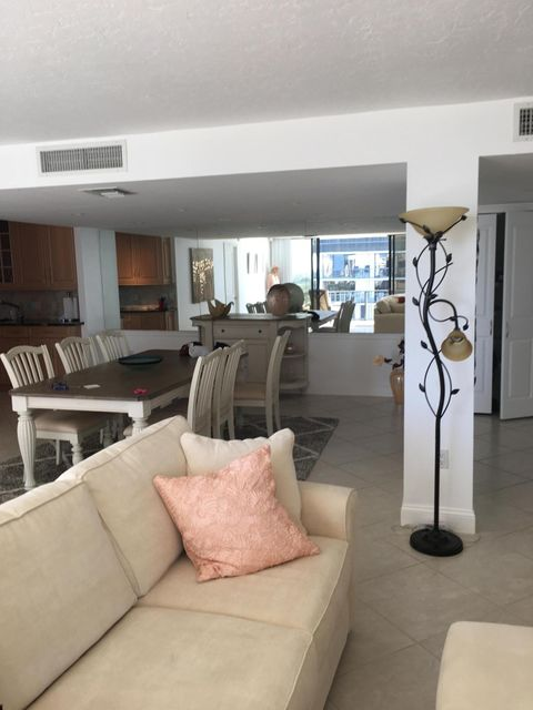 Additional photo for property listing at 4200 N Ocean Drive  Singer Island, Florida 33404 États-Unis