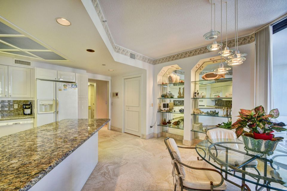 Additional photo for property listing at 20290 Fairway Oaks Drive 20290 Fairway Oaks Drive Boca Raton, Florida 33434 Estados Unidos