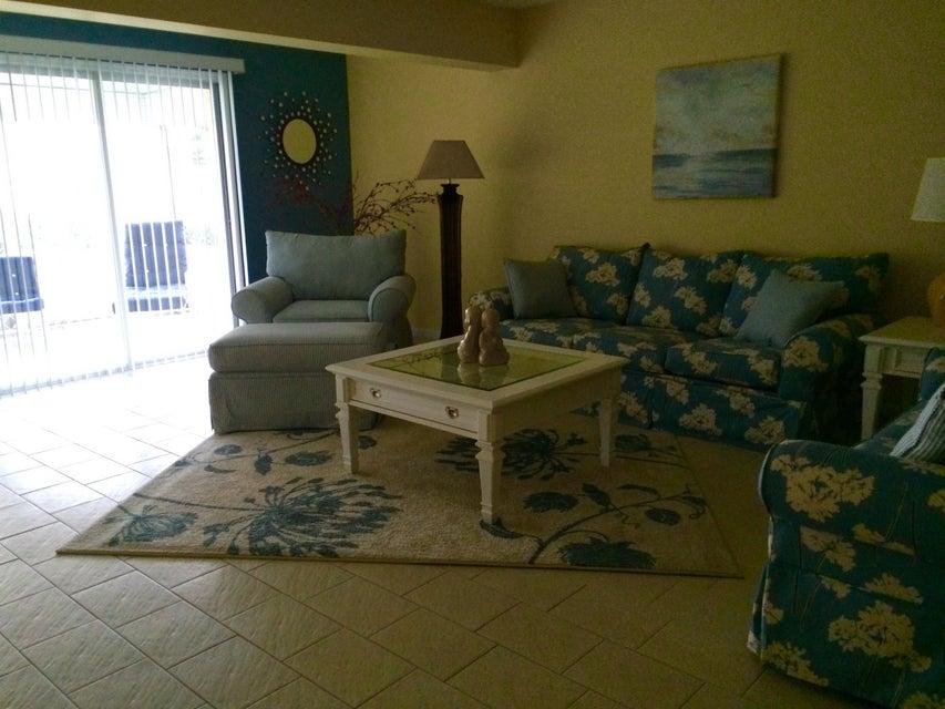 1740 NW 19th Terrace 103, Delray Beach, FL 33445