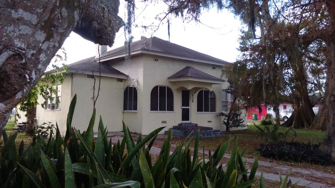 1838 E Main Street, Pahokee, FL 33476
