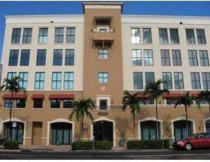 Location pour l à louer à 814 Ponce De Leon Boulevard Coral Gables, Florida 33134 États-Unis