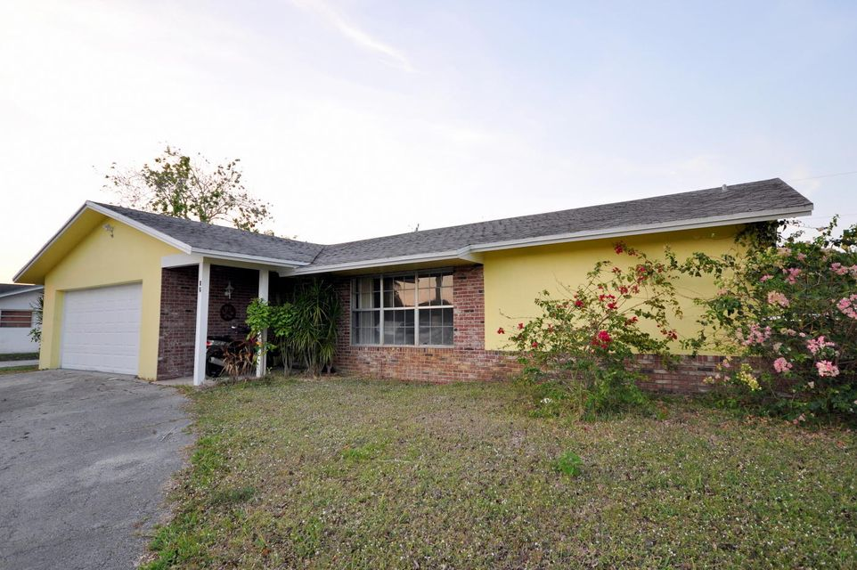 86 W Palm Avenue , Lake Worth FL 33467 is listed for sale as MLS Listing RX-10309104 14 photos