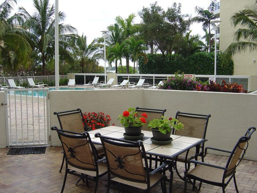 Co-op / Condominio por un Venta en 1617 N Flagler Drive West Palm Beach, Florida 33407 Estados Unidos