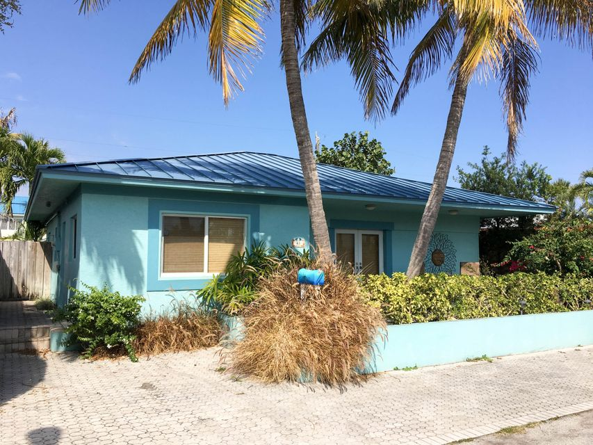 43 Douglas Drive, Ocean Ridge, FL 33435