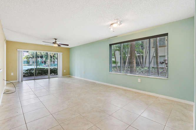Additional photo for property listing at 16106 Glenmoor Drive 16106 Glenmoor Drive West Palm Beach, Florida 33409 Estados Unidos