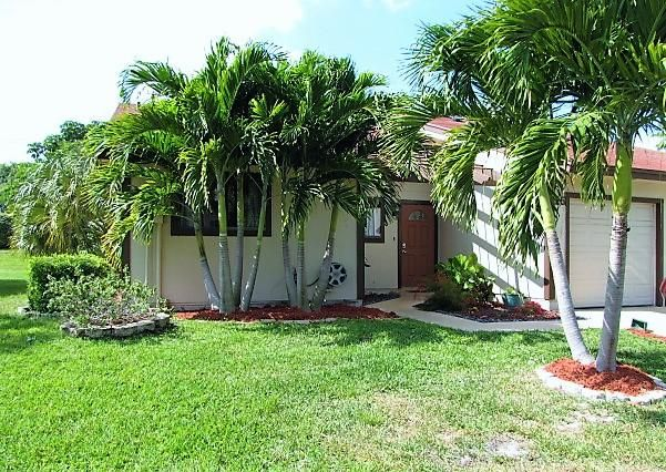 25 Kensington Lane, Boynton Beach, FL 33426
