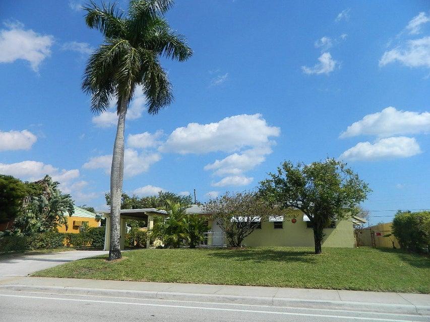 1620 N Seacrest Boulevard, Boynton Beach, FL 33435