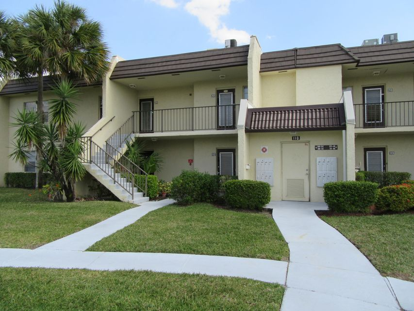 110 Lake Meryl Drive 212, West Palm Beach, FL 33411