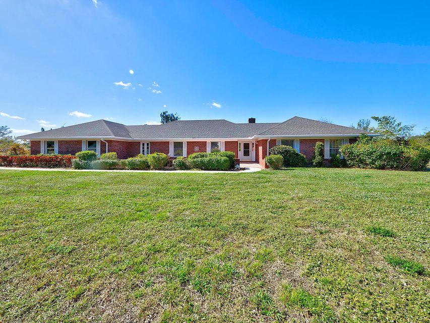 8335 Kelso Drive - Palm Beach Gardens, Florida | Douglas Elliman