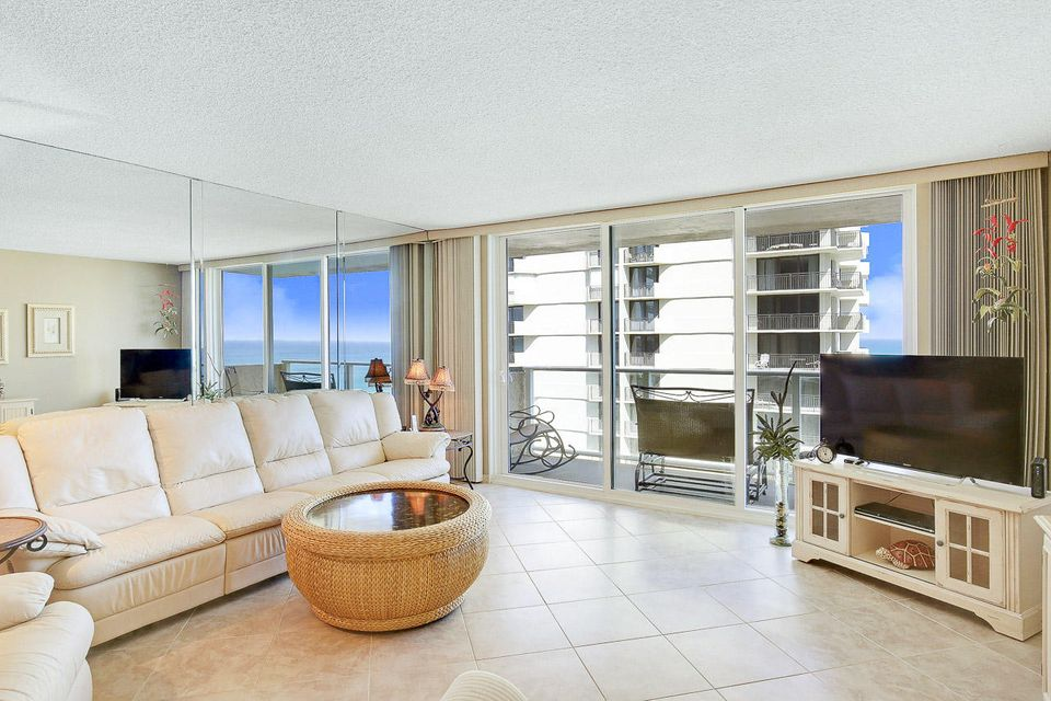 Additional photo for property listing at 5440 N Ocean Drive  Singer Island, Florida 33404 Estados Unidos