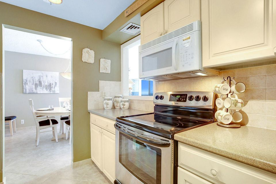 Additional photo for property listing at 5440 N Ocean Drive 5440 N Ocean Drive Singer Island, Florida 33404 États-Unis